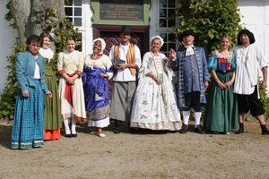 Foto af kostumer til Tersløsegaard